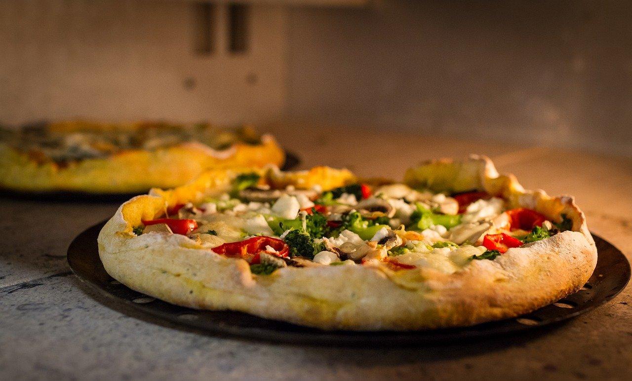 Comment faire une pizza à la poêle sans levure ?